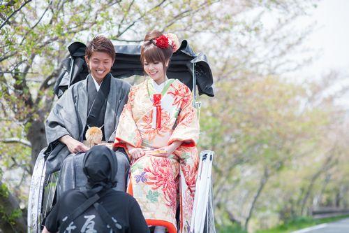 二川結婚式 人力車